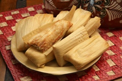 Picture of Chicken Tamales - Del Real Foods Gourmet Chicken Tamales in Red Sauce 10 count&nbsp;- Item No.&nbsp;29793-01361