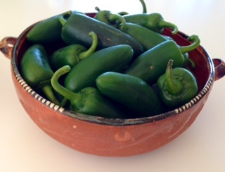Picture of Fresh Chile Jalapeno Peppers - Item No. 77745-31075