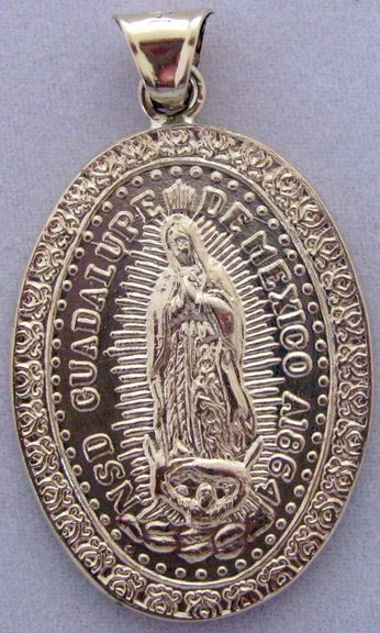 Picture of Medalla de Oro Virgen de Guadalupe - Our Lady of Guadalupe Gold Medal - Large Oval 12.2 g - Item No. mee-cg03